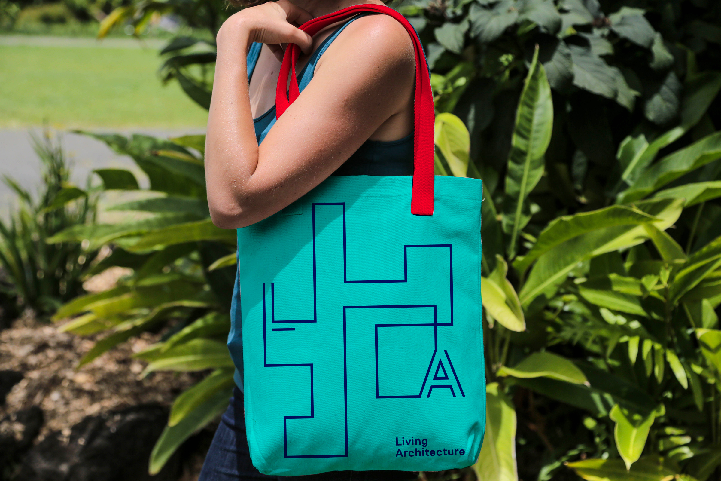 academy-tote-pic